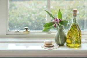 W sezonie letnim możesz samodzielnie zebrać zioła i przyrządzić z nich lecznicze oleje. Fot. Shawn Linehan